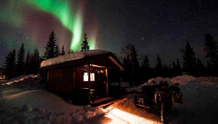 Bajo Cero: Persiguiendo la aurora boreal en moto